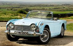Need quality accessories for your Triumph (custom mats, body cover, comfort accessories). Classic Cars British, British Sports Cars, Classic Sports Cars, British Car, Retro Cars, Vintage Cars, Antique Cars, Triumph Motor, Triumph Car