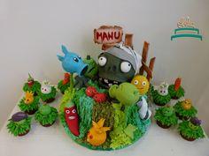 Cupcakes de plantas para defendernos de los zombies!. Cumple de Manu con temática llena de plantas y colores. #obelia #cake #torta #pastel #birthday #cumpleaños #sweet #instacake #pasteleria #laplata #mesadulce #diseñodulce #festejo #sweetdesign #cupcake #cookies #souveniers #popcorn #pochoclos #candybar #celebración #plantasvszombies #juego #plantas #zombies #manuel Pop Corn, Yoshi, Cupcakes, Christmas Ornaments, Holiday Decor, Character, Celebration, Fiesta Party, Pastries