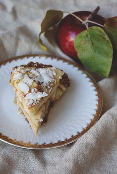 Easy Raw Apple Pie | Free People Blog #freepeople