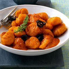 Kürbisgnocchi mit Paprikasauce Rezept   Küchengötter