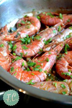 Γαρίδες Σκορδάτες Ισπανικές Greek Recipes, Fish Recipes, My Recipes, Cooking Recipes, Recipies, Menu Design, Food Design, Low Sodium Recipes, Fish And Seafood