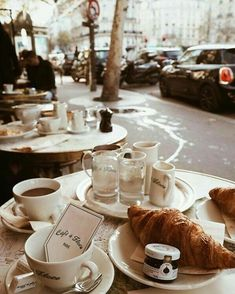 croissants and coffee at Café de Flore in Paris, France Coffee Break, Coffee Time, Coffee Coffee, Morning Coffee, Espresso Coffee, Black Coffee, Momento Cafe, French Cafe, Links Of London