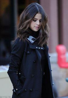 Selena gomez - short hair trend