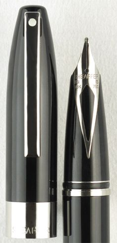 Sheaffer Legacy Heritage Black Lacquer Palladium Trim Fountain Pen