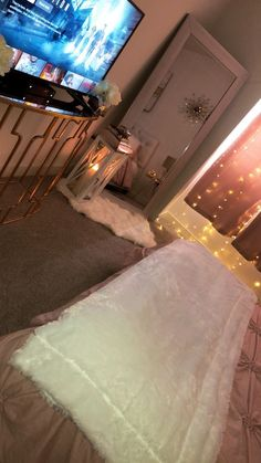 Cute Girls Bedrooms, Bedroom Decor For Teen Girls, Teen Room Decor, Small Room Bedroom, Room Ideas Bedroom, Cozy Bedroom, Modern Bedroom, Small Rooms, Bed Room