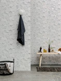 Front-Wallpaper-Eco-2_Dots_Room Wallpaper pattern from pencil drawing appearing to be 3-D