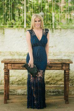 crochelinhasagulhas: Claudia Dal Pozzo veste vestido de crochê