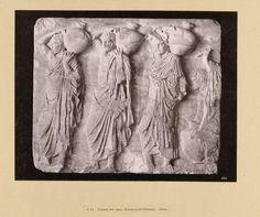 Anonymous | Reliëf van vrouwen met vazen, Anonymous, , c. 1895 - c. 1915 | Een reliëf in steen van vrouwen met vazen. De foto is onderdeel van de door Richard Polak verzamelde fotoserie van Griekenland.