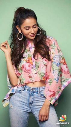 Rakul Preet Singh (aka) Rakul photos stills & images Indian Actress Hot Pics, South Indian Actress, Indian Actresses, Beautiful Girl Indian, Most Beautiful Indian Actress, Beautiful Toes, Beautiful Bollywood Actress, Beautiful Actresses, Girl Fashion