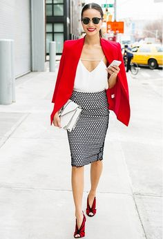 Den Look kaufen: lookastic.de/… — Rotes Sakko — Rote Wildleder Pumps — W… Buy the look: lookastic.de / … – Red Blazer – Red Suede Pumps – White Leather Satchel Bag – White Silk Tank Top – Black and white dotted pencil skirt Fashion Mode, Fall Fashion Outfits, Mode Outfits, Office Outfits, Work Fashion, Autumn Fashion, Womens Fashion, Net Fashion, Black Outfits