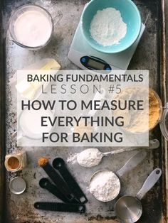 Learn how to measure ingredients properly for baking, the difference between measuring by weight and measuring by volume and how to properly do each. Measuring ingredients accurately for baking… Baking Secrets, Baking Tips, Baking Hacks, Baking Ideas, Baking Recipes, Home Bakery Business, Baking Business, Baking Science, Food Science
