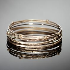 Google Image Result for http://www.adamasfinejewelry.com/SI-Sites/AdamasFineJewelry/ClientFiles/Images/products/bracelets/lg_SOG_1130.jpg
