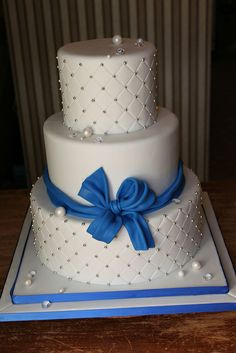 Wedding cake by Andrea's SweetCakes, via Flickr