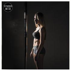 Photo de profil aujourd'hui... #photographie #studiomir #modele #poledance