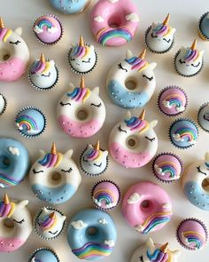 A-freaking-dorable! I'm crushing on these whimsical donuts and truffles from ! They are just super duper wonderful and make me so happy when I look at them! Mini Donuts, Fancy Donuts, Cute Donuts, Mini Cupcakes, Donuts Donuts, Doughnut, Delicious Donuts, Delicious Desserts, Cake Pops