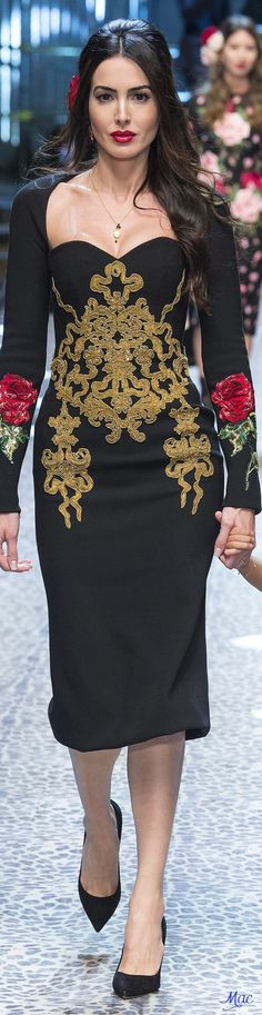 Dolce & Gabbana Fall 2017 Fashion Show & More Luxury Details