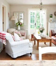 Cottage Style Family Room #cottagestyle