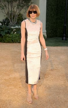 Anna Wintour in a two-tone sleeveless midi dress and nude heels at the Burberry 'London In Los Angeles' Event