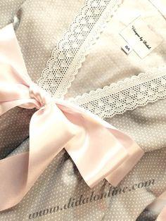 Batín gris lazada en rosa