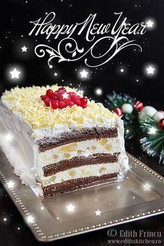 Pinaple cream and mascarpone New Year's cake Edith's Kitchen, Creme Mascarpone, Cake Recipes, Dessert Recipes, New Year's Cake, Romanian Food, Sweet Tarts, Dessert Drinks, Food Cakes