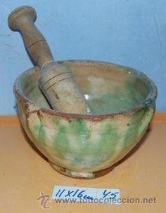 Antiguo  mortero o Almirez de tiesto o arcilla más 60 años Las medidas son las de la fotografía