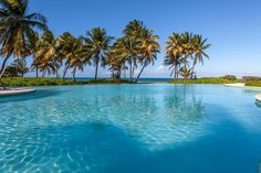 Apartment in Río Grande, Puerto Rico. Beachfront Villa inside premises of the exclusive Wyndham Resort. 4 private pools, two 18 hole golf courses, tennis courts, water sports rental. 4 minutes walking distance to the hotel with casino, restaurants and full spa. Next to El Yunque Fores...