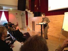 Fredrik Emmerfors (Ljudambassaden) ger en komprimerad verision av kursen Effektivitet, Kreativitet, Organisation (EKO) som erbjuds i sin helhet hos Kulturjobb (nya datum till hösten).