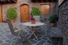 Fotos de Lo Pallé de Cal Bosch - Casa rural en Llagunes (Lleida) http://www.escapadarural.com/casa-rural/lleida/lo-palle-de-cal-bosch/fotos#p=5142157c7fc57