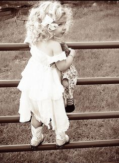 Adorable! One day I will have a little girl that looks like this! But with dark hair!