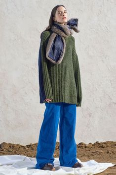 See by Chloé Fall 2019 Ready-to-Wear Fashion Show Collection: See the complete See by Chloé Fall 2019 Ready-to-Wear collection. Look 3 Fashion Line, Fashion Pants, Fashion Outfits, Fashion Trends, Warm Outfits, Winter Outfits, Summer Outfits, Grunge Outfits, Teen Girl Fashion