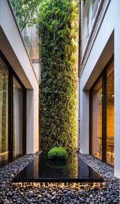 Vertical Garden Design, Vertical Gardens, Front Gardens, Rooftop Gardens, Vertical Bar, Courtyard Design, Patio Design, Jardim Vertical Diy, Design Cour