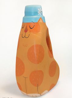 the art room plant: Eric Barclay Bottles and light bulbs recycled. Plastic Bottle Crafts, Plastic Art, Plastic Bottles, Art For Kids, Crafts For Kids, Arts And Crafts, Detergent Bottles, Laundry Detergent, Cup Art