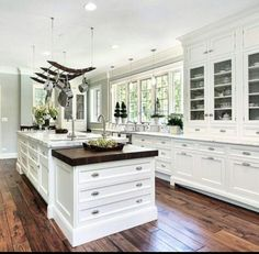 You won't run out of storage in this kitchen.