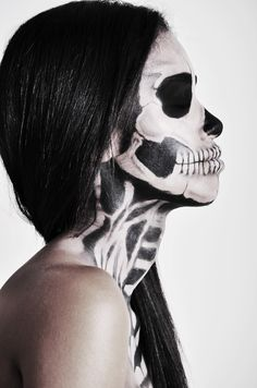 skull face. photo by Anna Miou
