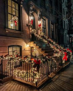 Upper East Side, NYC New York City Christmas, Christmas And New Year, Christmas Stuff, Christmas Ideas, New York Life, Nyc Life, Upper East Side, Christmas Aesthetic, Great View