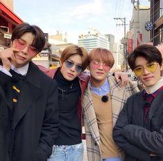 """Johnny's love language with each NCT 127 member, a thread🌸"" Nct Johnny, Johnny Seo, Winwin, Kpop, Nct Dream Renjun, Nct 127 Members, Yuta, Sm Rookies, Jung Woo"