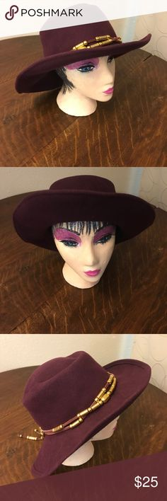 Hat Made in U.S.A  100% Wool , excellent condition! Michal Howard Designer , Palm Desert CA What's Up Accessories Hats