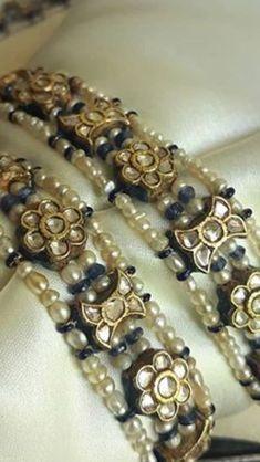 Royal Jewelry, India Jewelry, Beaded Jewelry, Gold Bangles For Women, Expensive Jewelry, Gold Jewellery Design, Trendy Jewelry, Jewelry Crafts, Antique Jewelry