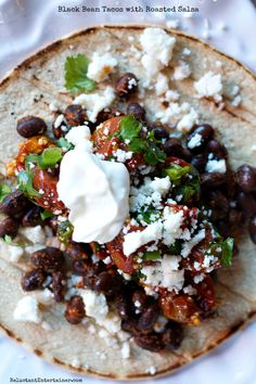 Salsa is amazing this way! Black Bean Tacos with Roasted Salsa #tacos #meatlessmonday #reluctantentertainer #recipe