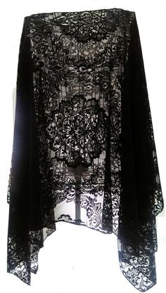 One Size 8-20 Black Lace Gothic Batwing Poncho Cape