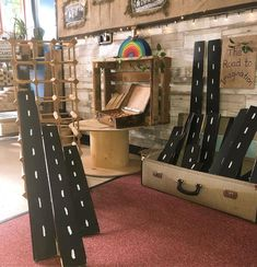 I'm excited to see how this fab recycled wine-rack will extend the play opportunities in the construction area! Construction Area Ideas, Construction Area Early Years, Construction Eyfs, Eyfs Outdoor Area, Outdoor Play Areas, Curiosity Approach Eyfs, Outdoor Learning Spaces, Outdoor Nursery, Block Area