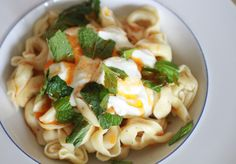 Tortellini with Yogurt, Mint and Smoked Paprika Oil Adapted from Radically Simple I stumbled across this … Vegetarian Main Course, Fast Dinners, Kid Friendly Dinner, Smoked Paprika, Tortellini, Pasta Salad, Yogurt, Macaroni And Cheese, Salads