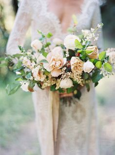 Fall garden style bridal bouquet with beige and cream roses ~ we ❤ this! moncheribridals.com