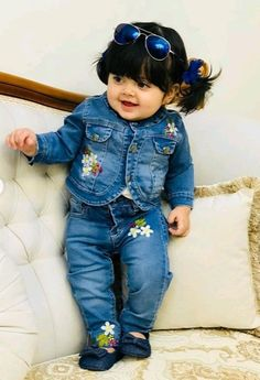 Beautiful Baby Pictures, Cute Kids Pics, Cute Baby Girl Pictures, Beautiful Babies, Cute Girls, Baby Photos, Small Cute Babies, Cute Baby Smile, Cute Babies Photography