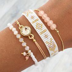 Regardez cette photo Instagram de @mint15jewelry • 123 mentions J'aime Pink Bracelets, Seed Bead Bracelets Diy, Pandora Bracelets, Layered Bracelets, Loom Bracelets, Handmade Bracelets, Pandora Jewelry, Jewelry Bracelets, Jewelry Crafts