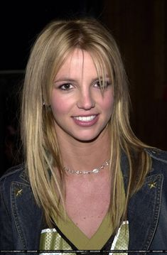Dedicated to Britney since December Britney Spears Young, Britney Spears Photos, Pop Singers, Female Singers, Blonde Hair Looks, Jamie Lynn, Britney Jean, Cute Girl Pic, Queen B