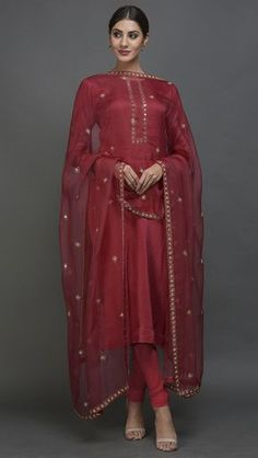 Royal Red Mirror Work & Zardozi Hand Embroidered Suit with Dupattanew ideas how to wear white blouse polka dots Pakistani Dress Design, Pakistani Outfits, Red Lehenga, Lehenga Choli, Sharara, Sabyasachi, Indian Wedding Outfits, Indian Outfits, Indian Dresses