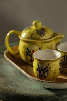 Realización y estilismo www.elenavisers.com foto Amador Toril. Publicado en la revista Interiores Tea Cups, Tableware, Kitchen, Journals, Cooking, Pictures, Dinnerware, Dishes, Home Kitchens