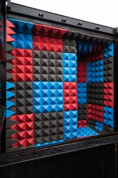 Scott Whitby Studio has used over foam pyramids to transform a shipping container into a pop-up cinema where port workers are taught health and safety Cinema Uk, Cinema Architecture, Art Intervention, Room Screen, Dezeen, Health And Safety, Studio, New Pictures, Pop Up