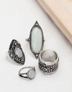 White opal stone rings - Accessories - Bershka Switzerland